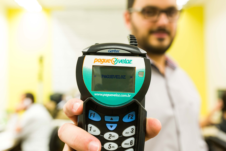 PagueVeloz facilita a gestão de pagamentos online, parcelamento de débitos veiculares e envio de SMS. Imagem: Daniel Zimmermann
