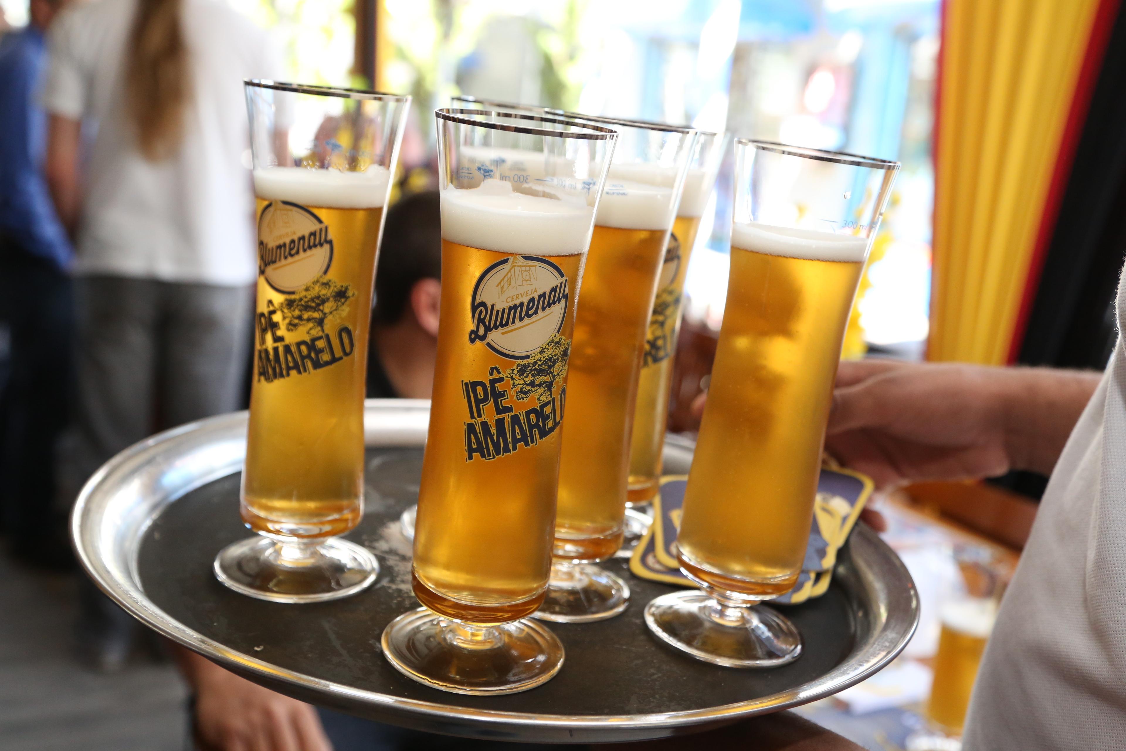 Bier Vila aposta em marca própria e lança Cerveja Blumenau