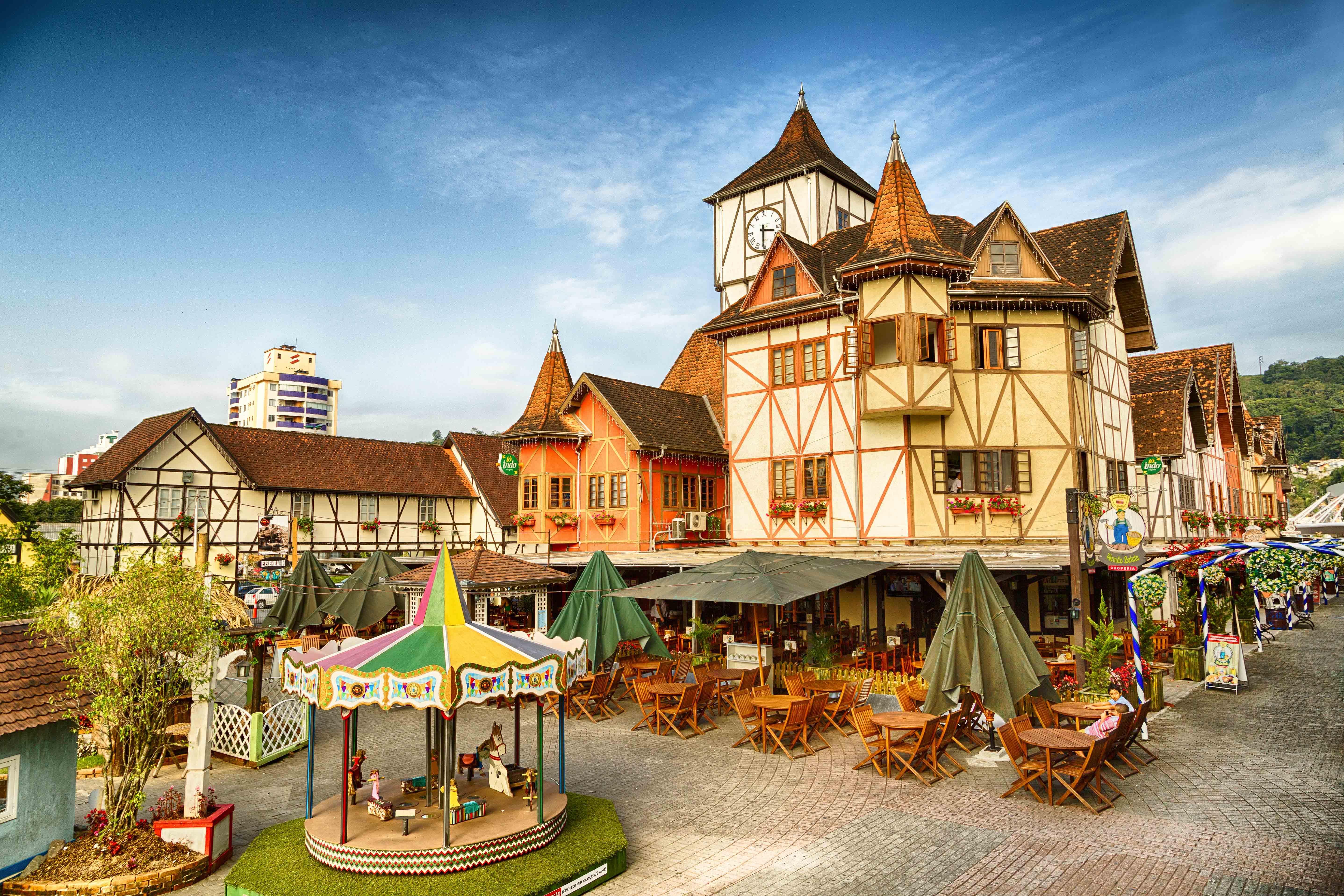 Lojas e restaurantes da Vila Germânica atuam em novo horário a partir de 1º de fevereiro