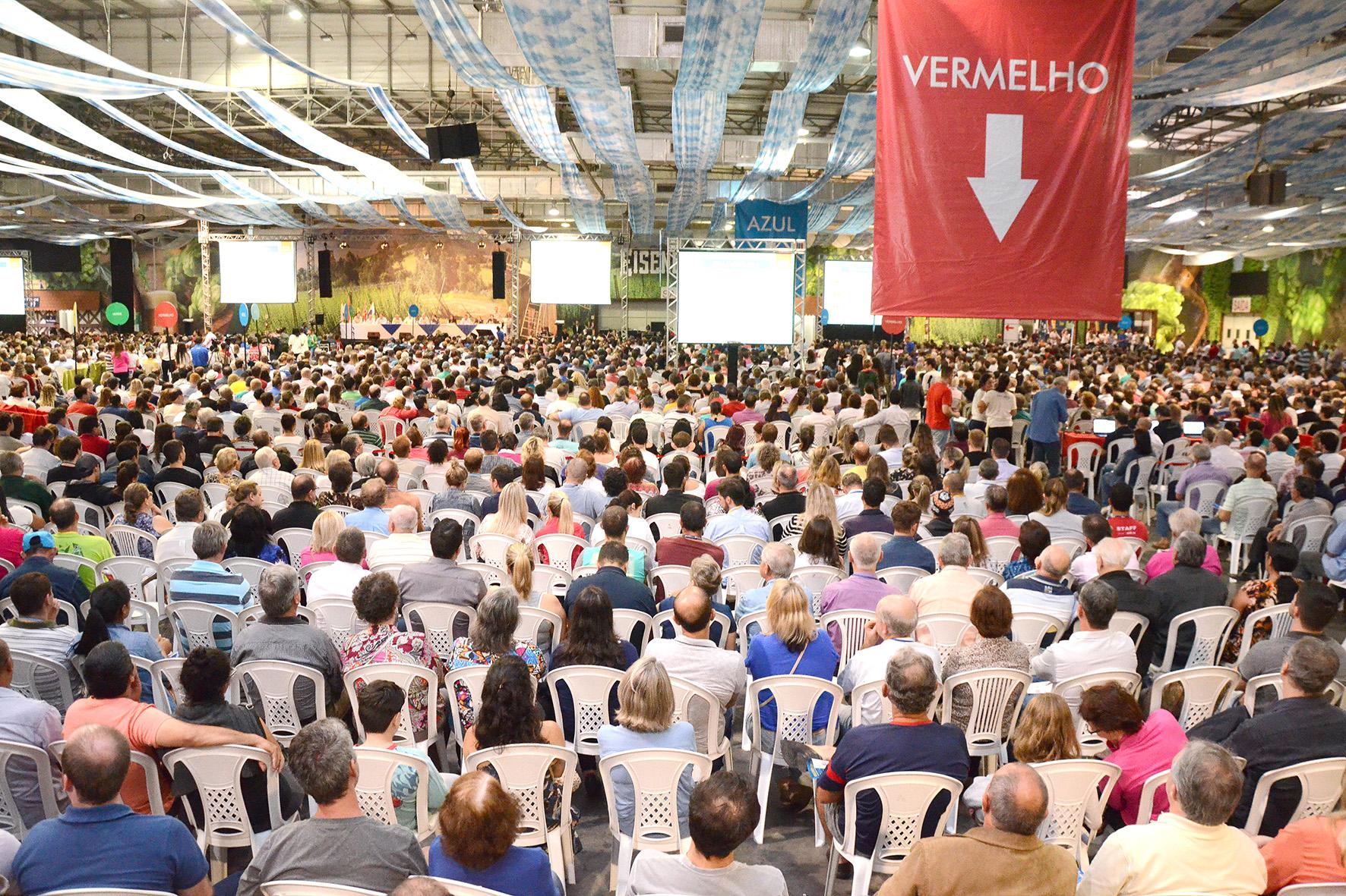 Cerca de 100 mil pessoas devem participar dos eventos de prestação de contas das cooperativas do Sistema Cecred