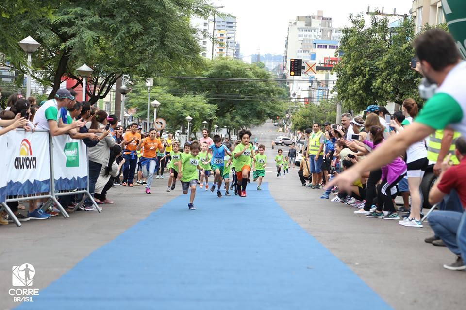Corrida infantil é destaque em evento esportivo em Chapecó (SC)