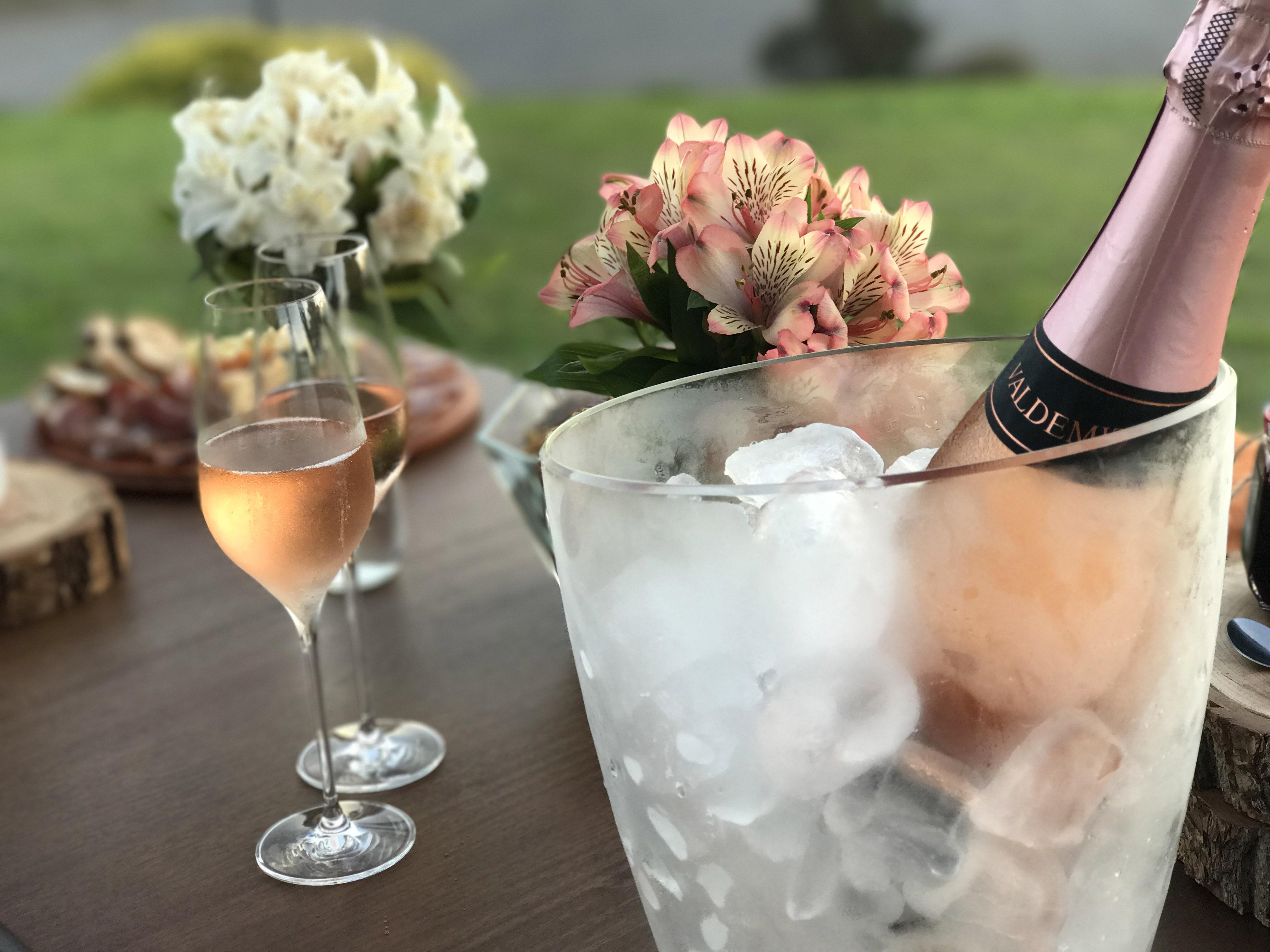 Está aberta a temporada de vinhos brancos, rosés e espumantes