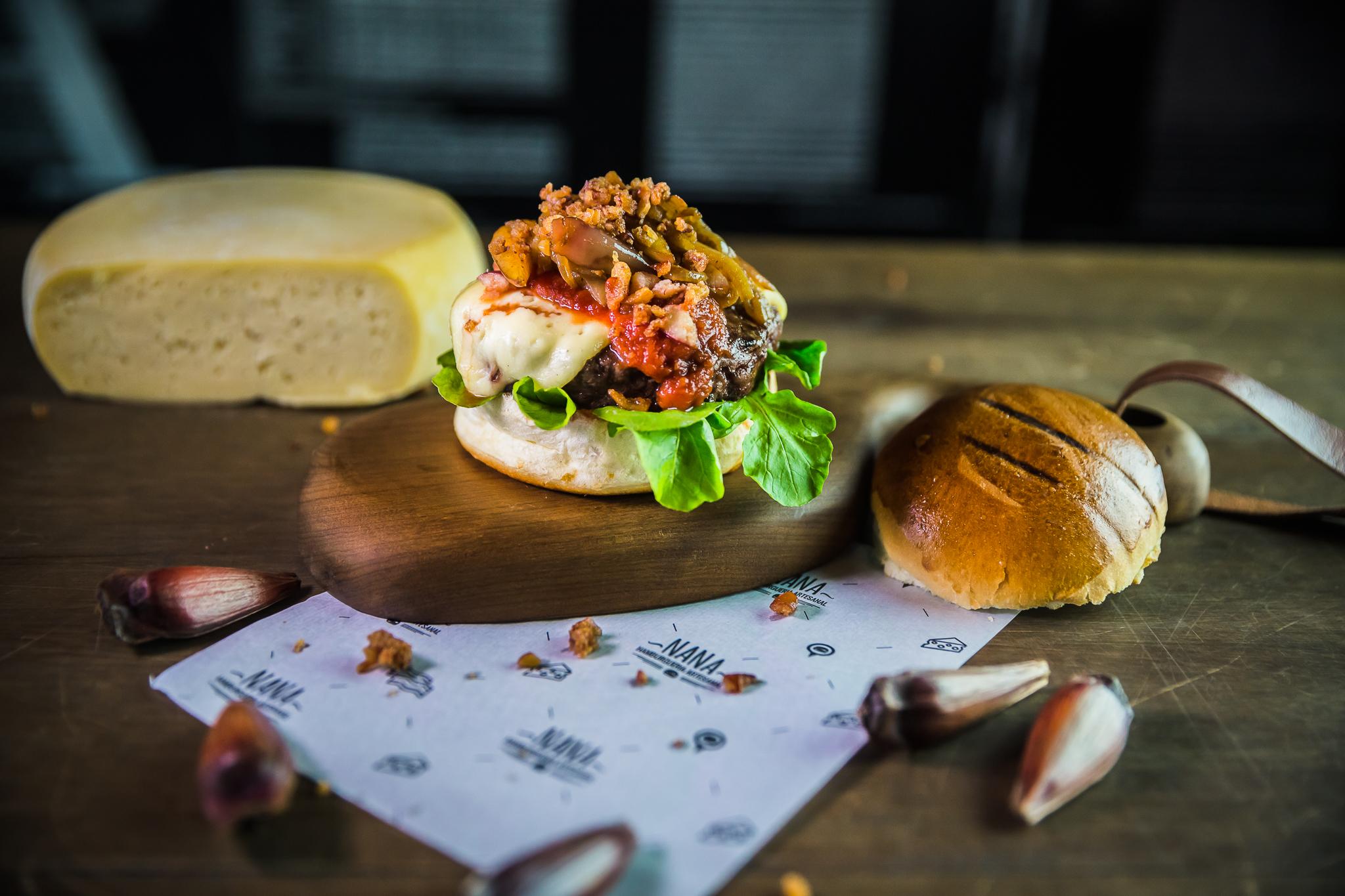 Pinhão no hambúrguer: ingrediente típico ganha novo formato nas mãos de chefs catarinenses