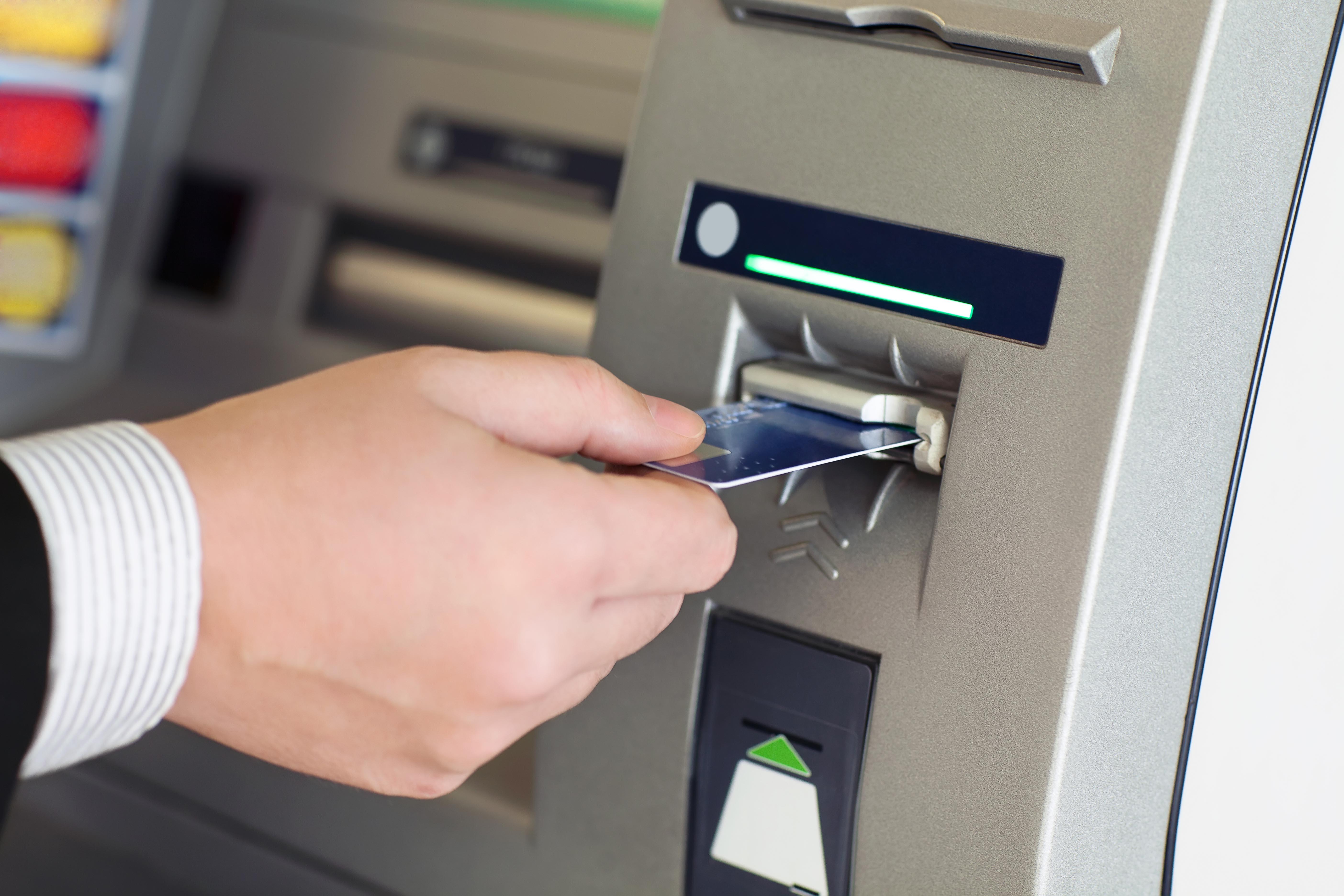Tomar crédito pode ser a solução para quem quer investir em bens duráveis