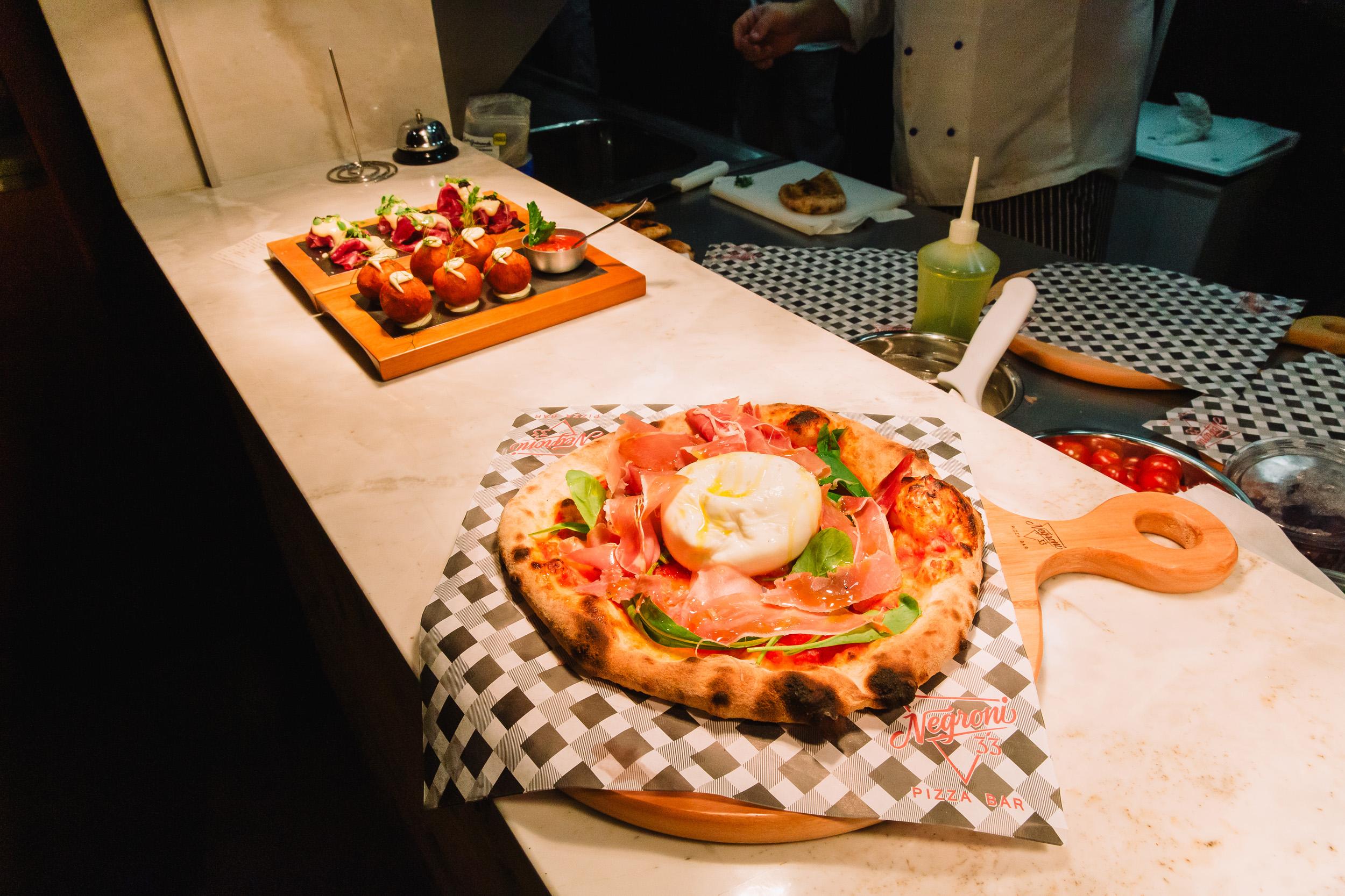 Espaço que une tradicional pizza napolitana e drinks inaugura em Blumenau (SC)